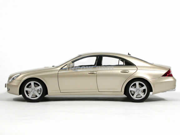 2005 Mercedes Benz CLS 500 diecast model car 1:18 scale die cast from Kyosho - Light Beige (Gold) 08401LBE