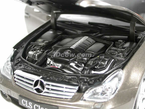 2005 Mercedes Benz CLS 500 diecast model car 1:18 scale die cast from Kyosho - Metallic Grey 08401DGY