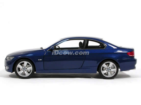 2007 BMW 330i diecast model car 1:18 scale coupe from Kyosho - Blue Coupe