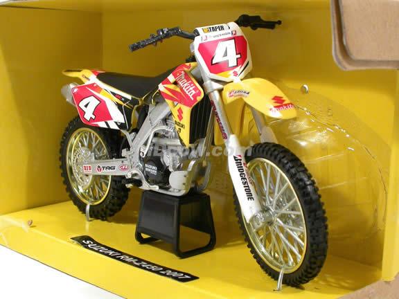2007 Suzuki RM-Z450 Ricky Carmichael diecast motorcycle 1:12 scale die cast by NewRay