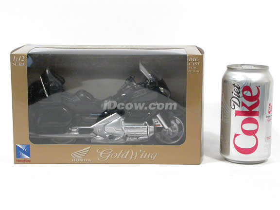 2001 Honda Gold Wing diecast motorcycle 1:12 scale die cast by NewRay - Black