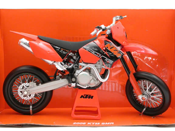 2006 KTM SMR diecast dirt bike motorcycle 1:12 scale die cast by NewRay - 42417