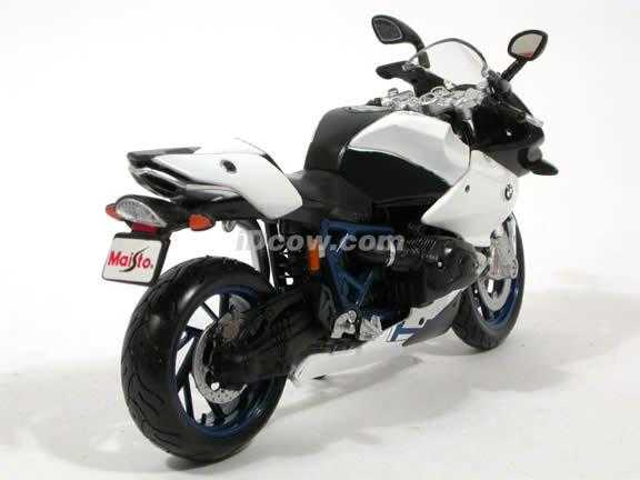 2009 BMW HP2 Sport diecast motorcycle Model 1:12 scale die cast by Maisto - White