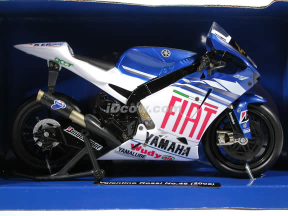 2008 Yamaha YZR-M1 #46 Valentino Rossi Diecast Motorcycle Model 1:12 scale die cast by NewRay - Fiat