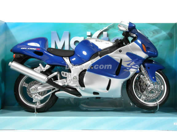 2005 Suzuki GSX 1300R Hayabusa Diecast Motorcycle Model 1:12 scale die cast from Maisto - Silver Blue