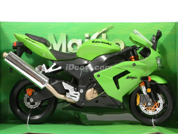 2005 Kawasaki Ninja ZX-10R Diecast Motorcycle Model 1:12 scale die cast from Maisto - Green