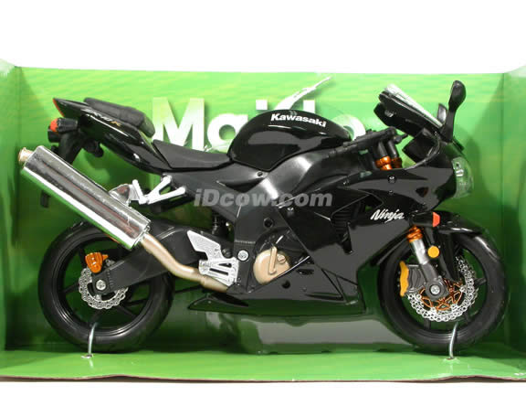 2005 Kawasaki Ninja ZX-10R Diecast Motorcycle Model 1:12 scale die cast from Maisto - Black