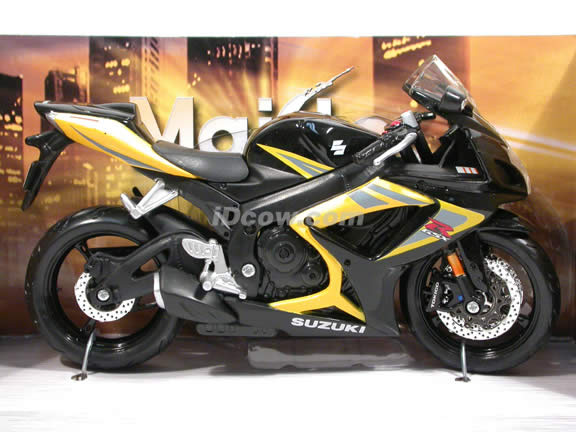 2007 Suzuki GSX-R 750 Diecast Motorcycle Model 1:12 scale die cast by Maisto - Black Yellow 31153