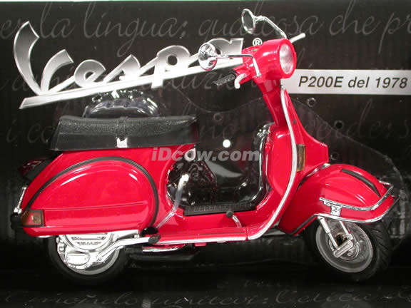 1978 Vespa P200E diecast scooter 1:12 scale die cast by NewRay - Red