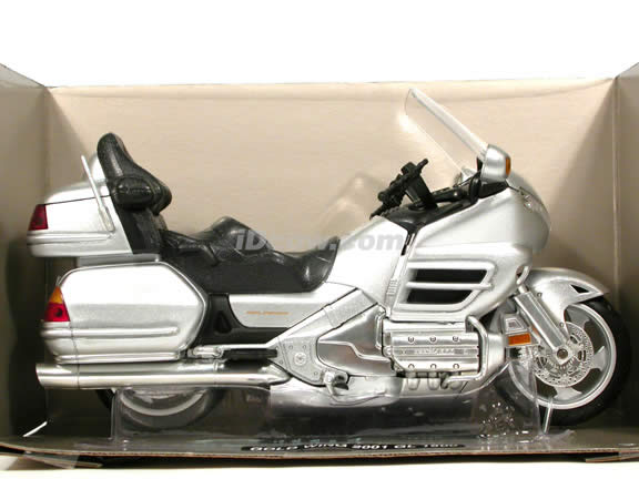 2001 Honda Gold Wing diecast motorcycle 1:12 scale die cast by NewRay - Metallic Silver