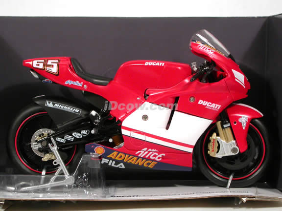 2004 Ducati Desmosedici #65 Loris Capirossi diecast motorcycle 1:12 scale die cast by NewRay - Red
