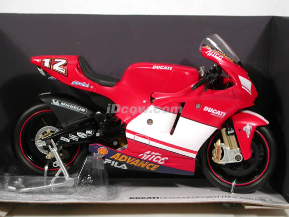 2004 Ducati Desmosedici #12 Troy Bayliss diecast motorcycle 1:12 scale die cast by NewRay - Red