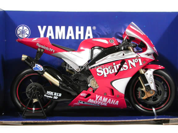 2004 Yamaha YZR M1 #7 Carlos Checa Diecast Motorcycle Model 1:12 scale die cast from NewRay - Red