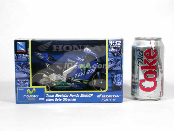 2005 Honda RC211V #15 Sete Gibernau Team Movistar Diecast Motorcycle Model 1:12 scale die cast from NewRay - Blue