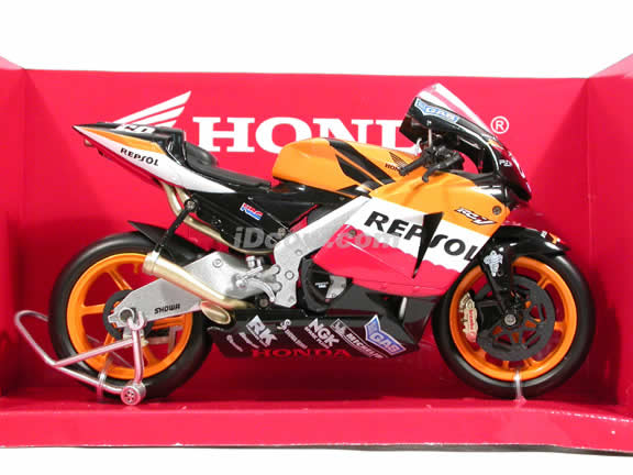 2006 Honda RC211V #69 Repsol Honda Team Nicky Hayden Diecast Motorcycle Model 1:12 scale die cast from NewRay - Orange Black 42307