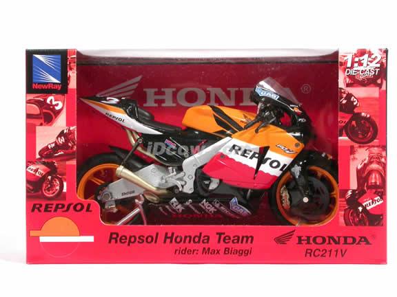 2005 Honda RC211V #3 Repsol Honda Team Max Biaggi Diecast Motorcycle Model 1:12 scale die cast from NewRay - Orange Black 42297