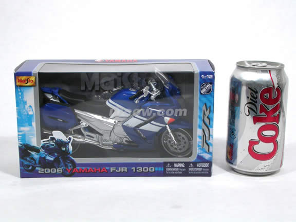 2006 Yamaha FJR 1300 Diecast Motorcycle Model 1:12 scale die cast from Maisto - Blue White 31107