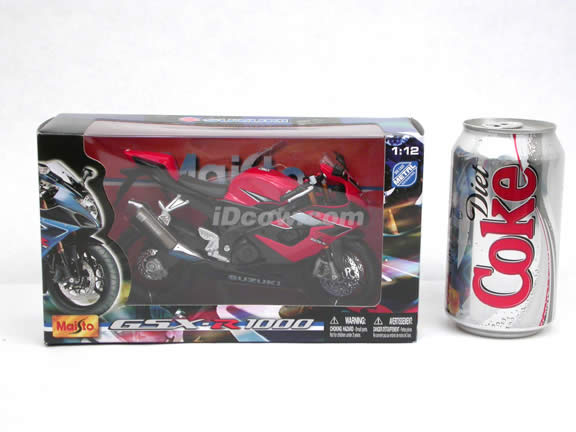 2006 Suzuki GSX-R 1000 Diecast Motorcycle Model 1:12 scale die cast from Maisto - Red Black 31106