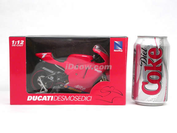 2005 Ducati Desmosedici GP05 #7 Carlos Checa Diecast Motorcycle Model 1:12 scale die cast from NewRay - Red 42367