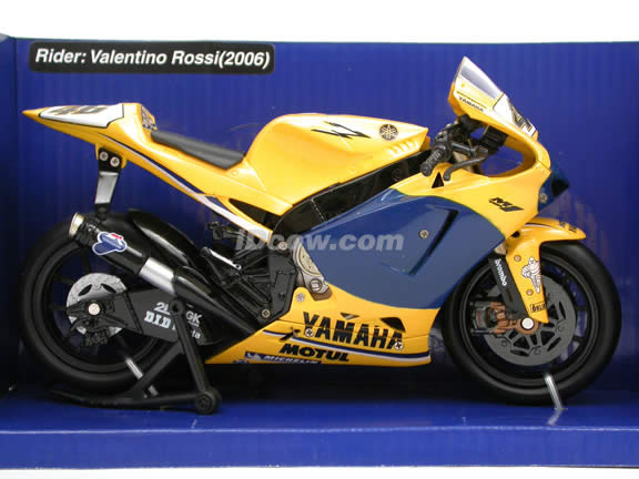 2006 Yamaha YZR-M1 #46 Valentino Rossi Diecast Motorcycle Model 1:12 scale die cast by NewRay - Yellow 42487