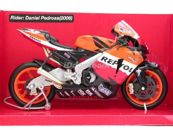 2006 Honda RC211V #26 Repsol Honda Team Daniel Pedrosa Diecast Motorcycle Model 1:12 scale die cast from NewRay - Orange Black 42527