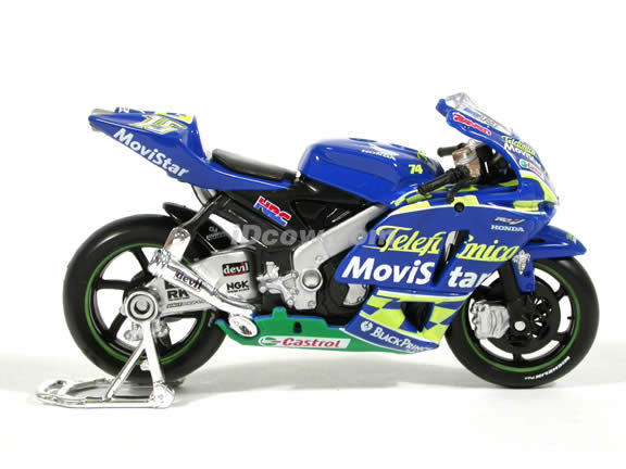 2004 Honda RCV 211 #15 Sete Gibernau Diecast Motorcycle Model 1:18 scale die cast from Maisto - Blue