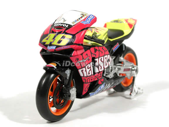 2003 Honda RCV 211 #46 Valentino Rossi Diecast Motorcycle Model 1:18 scale die cast from Maisto - Yellow Tank