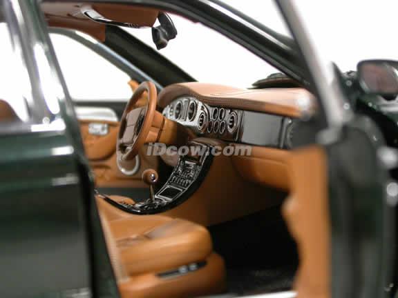 2002 Bentley Arnage T diecast model car 1:18 scale die cast from Minichamps - British Green 139070