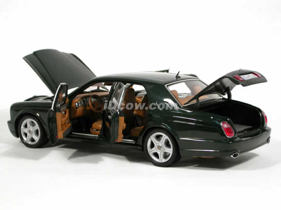 2002 Bentley Arnage T diecast model car 1:18 scale die cast from Minichamps - British Green 139070
