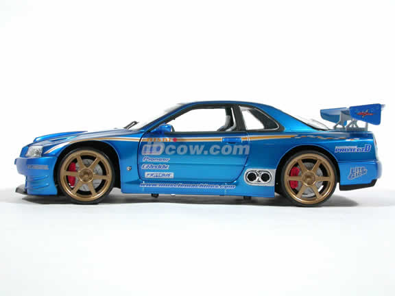2000 Nissan Skyline GTR Diecast model car 1:18 scale from Muscle Machines - Blue