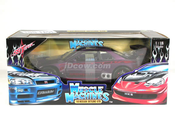 2000 Nissan Skyline GTR Diecast model car 1:18 scale die cast from Muscle Machines - Purple