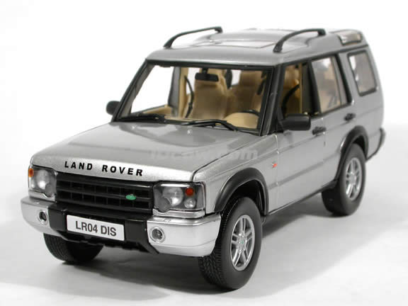 2004 Land Rover Discovery Cast Model Suv 1 18 Scale By Motor Max Silver