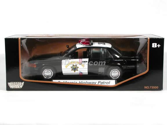 Ford Crown Victoria California Highway Patrol diecast model car 1:18 scale die cast by Motor Max