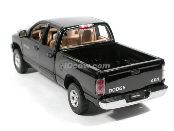 2002 Dodge Ram 1500 Quad Cab diecast model truck 1:18 scale die cast by Motor Max - Black