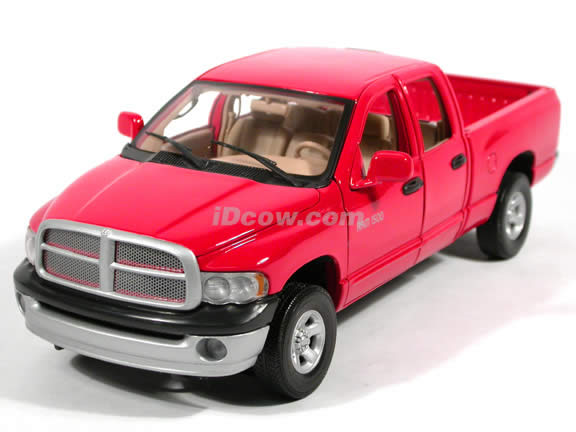 2002 Dodge Ram 1500 Quad Cab diecast model truck 1:18 scale die cast by Motor Max - Red