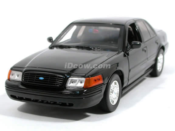2003 Ford Crown Victoria Law Enforcement diecast model car 1:18 scale die cast by Motor Max - Black 73512