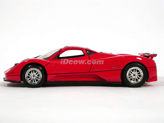 2002 Pagani Zonda C12 diecast model car 1:18 scale die cast by Motor Max - Red 73147