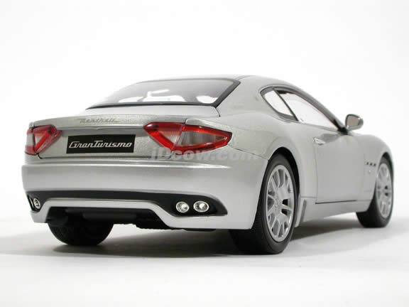 2008 Maserati Gran Turismo diecast model car 1:18 scale die cast by Mondo Motors - Silver 500413