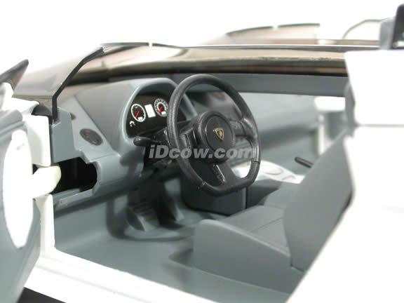 2007 Lamborghini Gallardo Concept S diecast model car 1:18 scale die cast by Mondo Motors - Pearl White 500390
