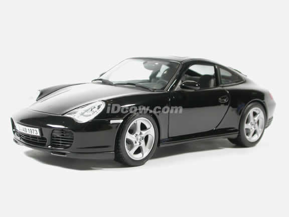 2002 Porsche 911 Diecast model car 1:18 scale Carrera 4S by Maisto - Black