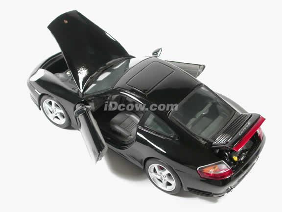 2002 Porsche 911 Diecast model car 1:18 scale Carrera 4S by Maisto - Black