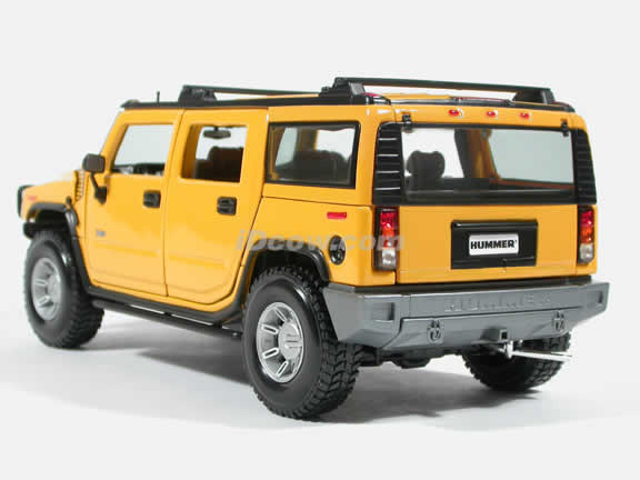 2003 Hummer H2 Diecast model car 1:18 scale die cast by Maisto - Yellow