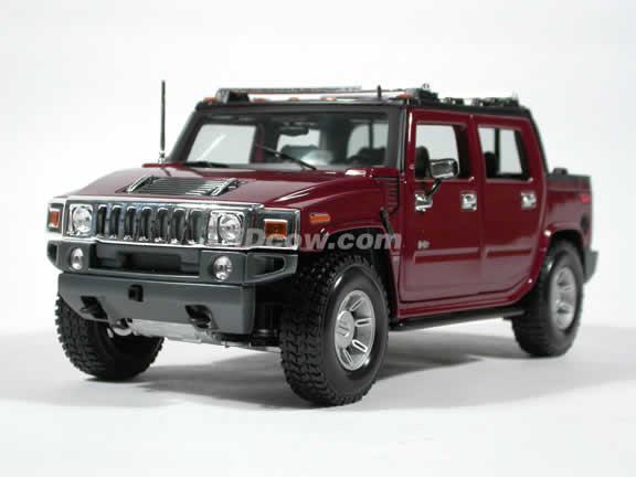 2004 Hummer H2 SUT diecast model car 1:18 scale die cast by Maisto - Burgundy