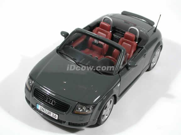 2001 Audi TT Roadster diecast car model 1:18 scale die cast by Maisto - Grey