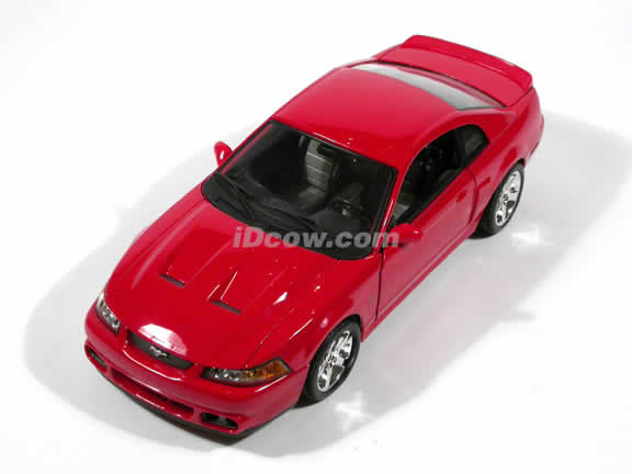 2003 Ford Mustang SVT Cobra Coupe diecast car model 1:18 scale die cast by Maisto - Red