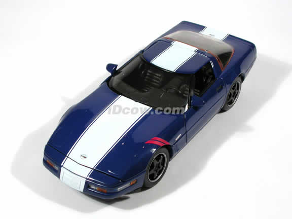 1996 Chevrolet Corvette Grand Sport Coupe diecast model car 1:18 scale die cast by Maisto - Blue