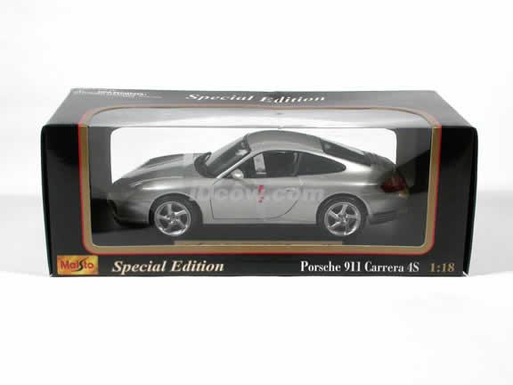 2002 Porsche 911 Carrera 4S diecast model car 1:18 scale by Maisto - Silver