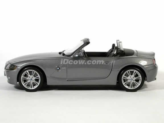 2003 BMW Z4 diecast model car 1:18 scale die cast by Maisto - Charcoal Grey