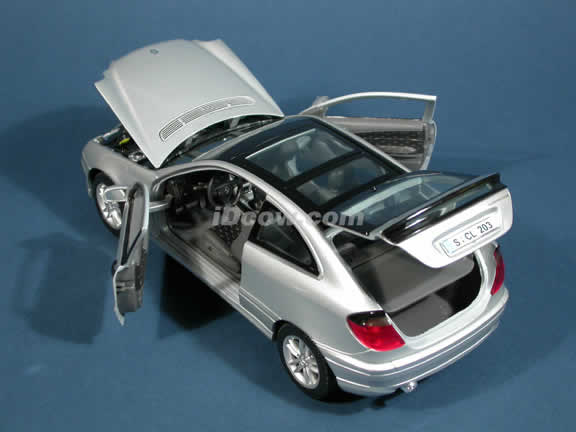 2002 Mercedes Benz C class C230K Sportcoupe Diecast model car 1:18 scale die cast by Maisto - Silver