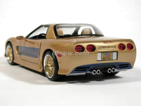2003 Guldstrand Signature Edition Chevrolet Corvette diecast model car 1:18 scale die cast by Maisto - Gold